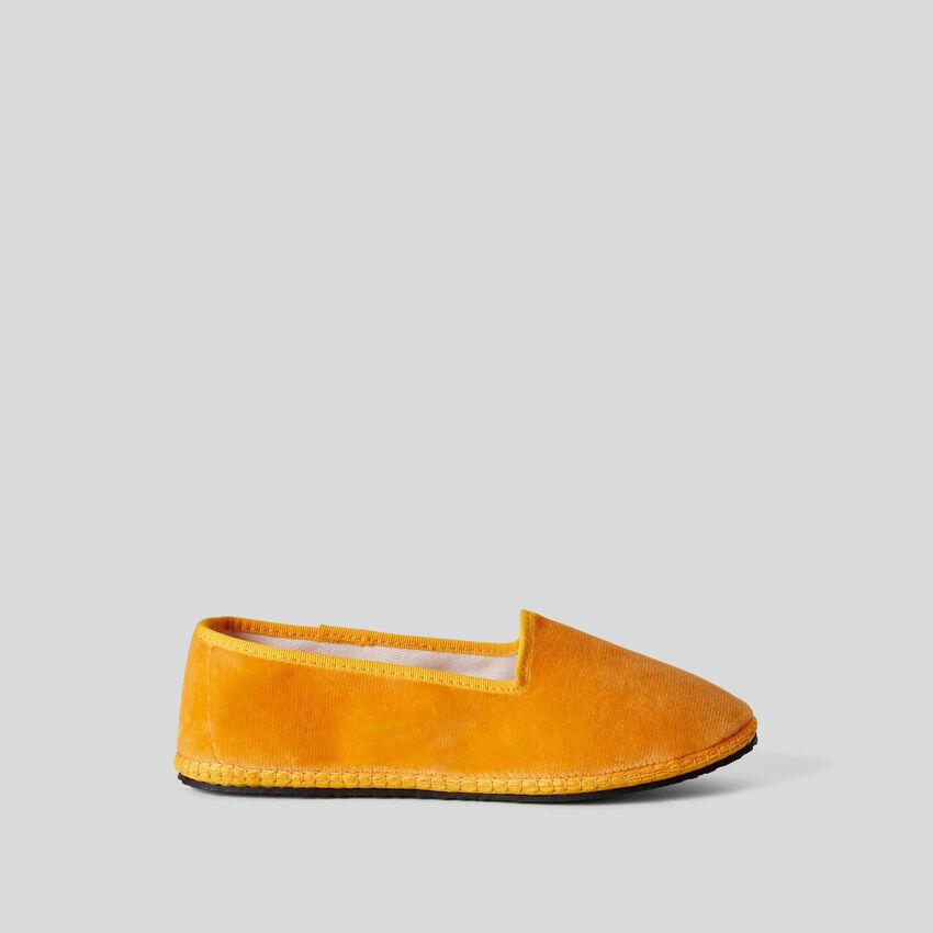 Friulana amarilla de terciopelo