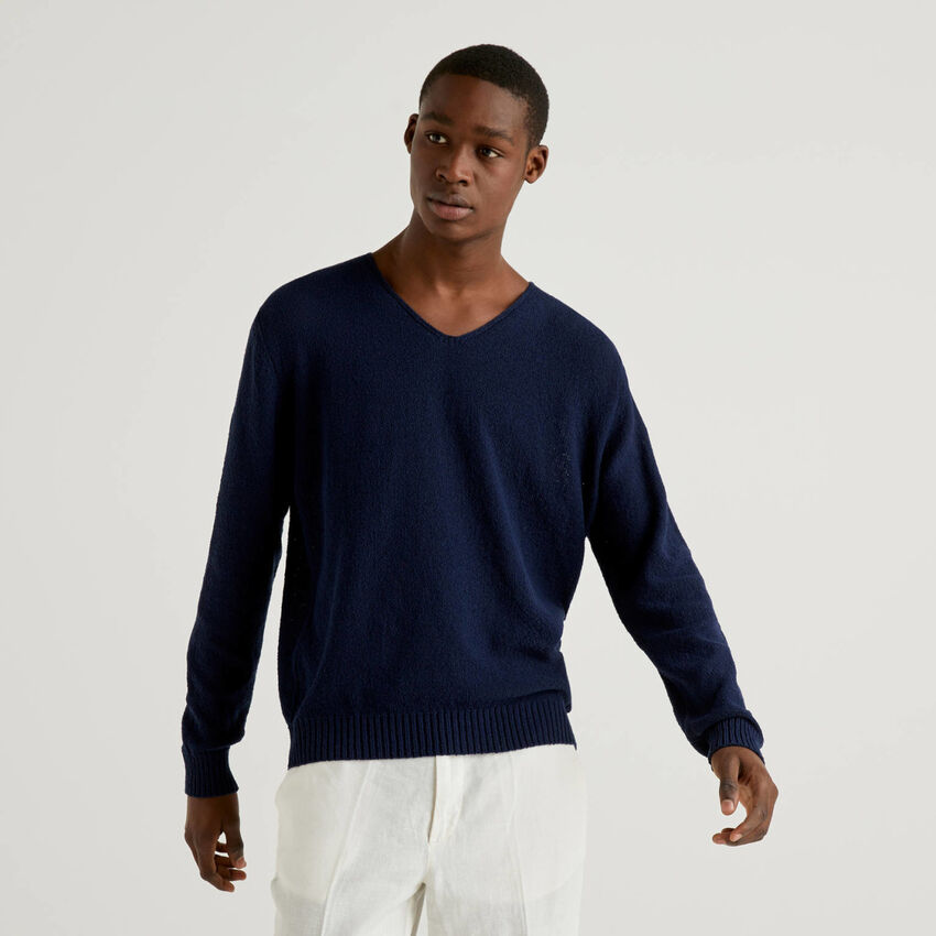 Sweater with V-neck
