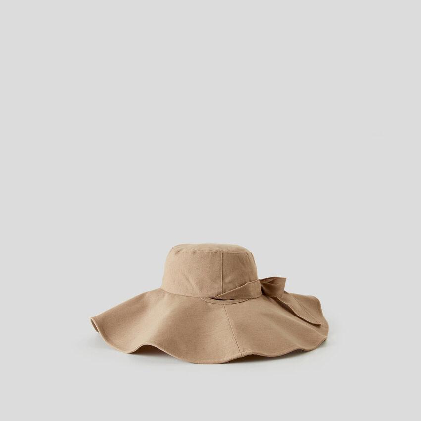 Hat with wide brim