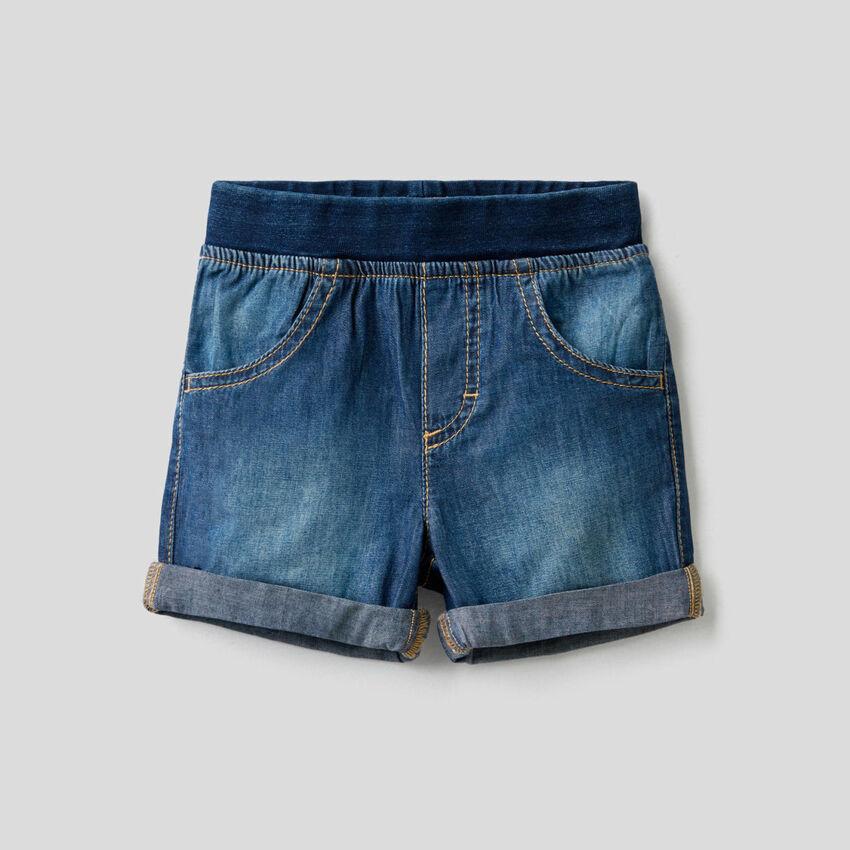 Jean look bermudas with stretch waist