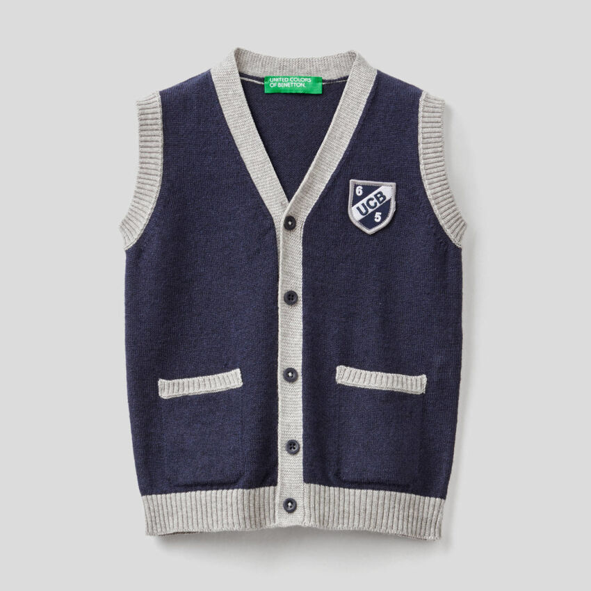 Vest with buttons in wool blend