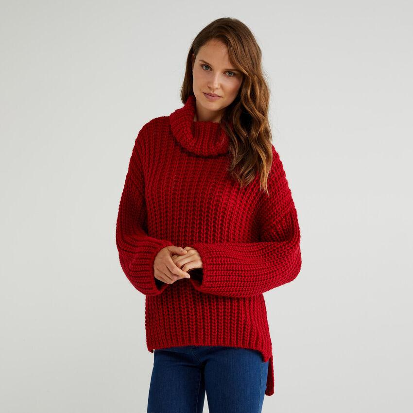 Jersey suave con cuello cisne