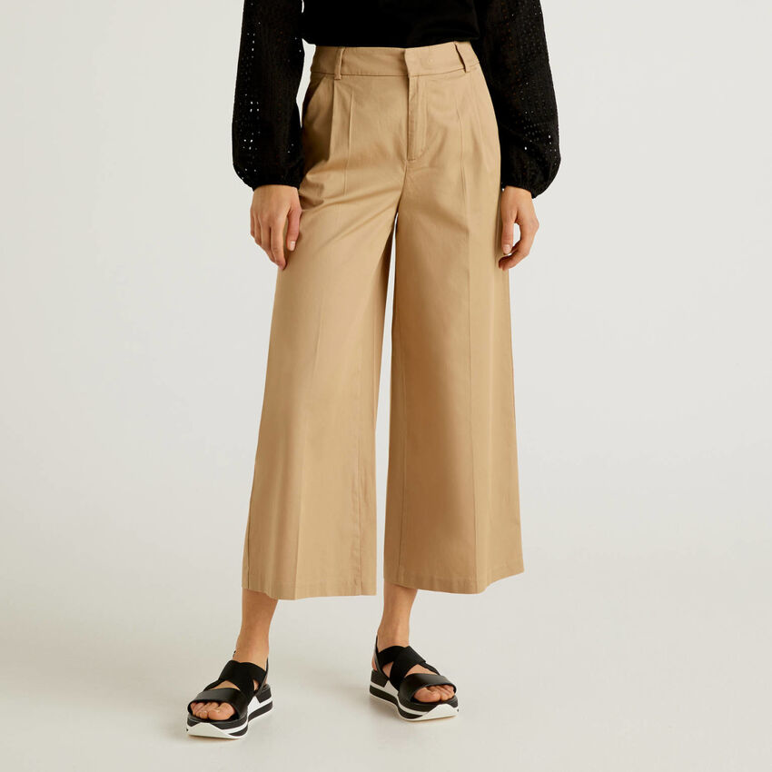 Wide leg trousers with pleats