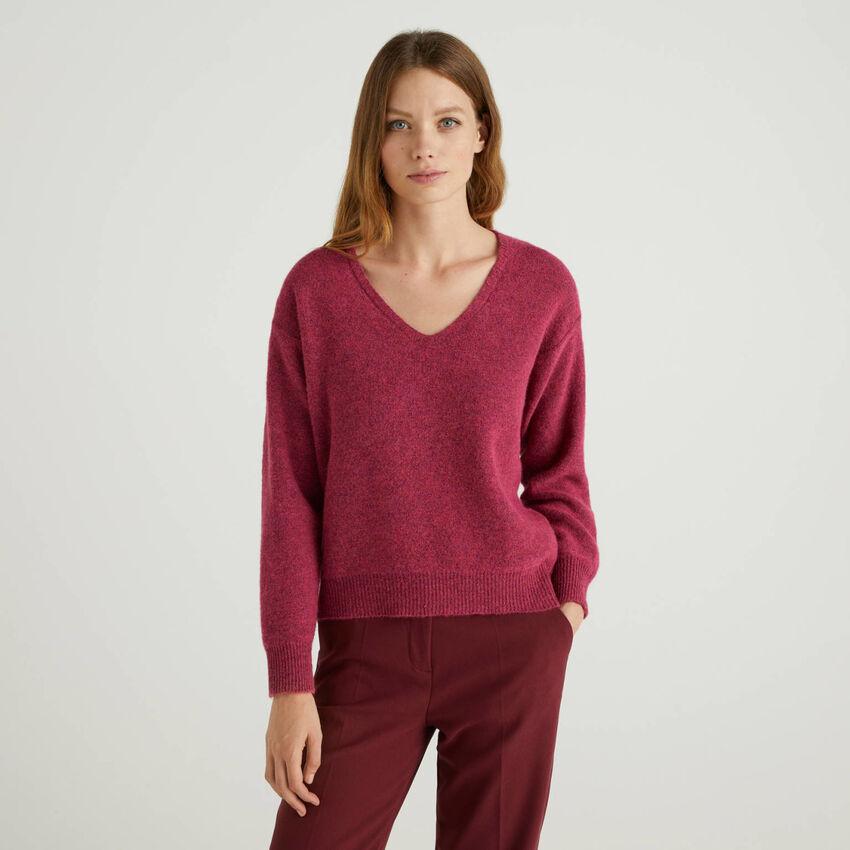 Jersey de lana mixta con escote de pico