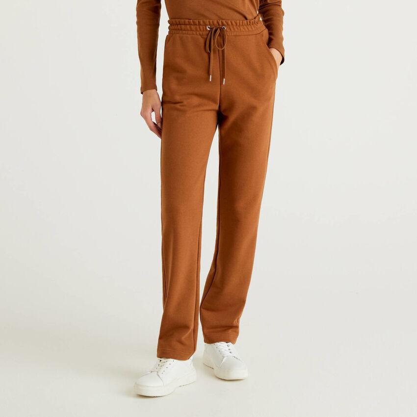 Pantalón de felpa con cordón de ajuste