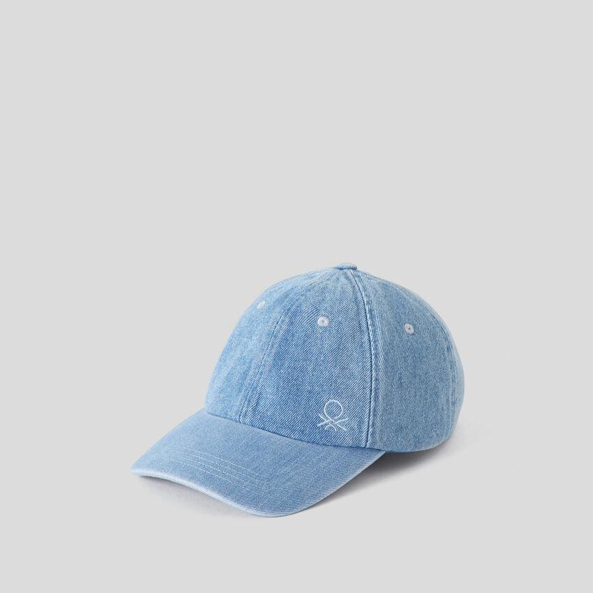 Denim hat with brim