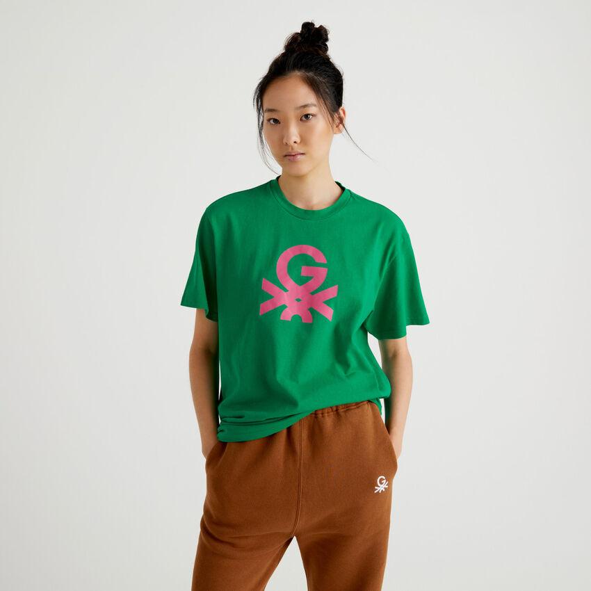 Camiseta unisex verde by Ghali con logotipo