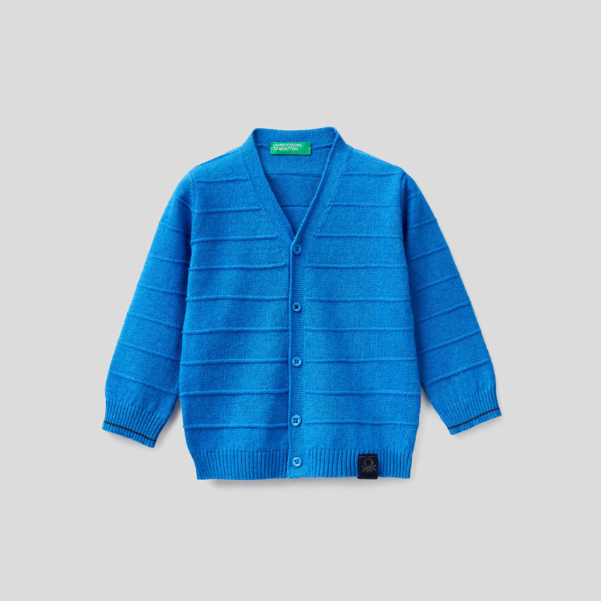 V-neck knit cardigan