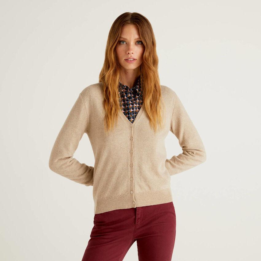 Beige V-neck cardigan in pure virgin wool