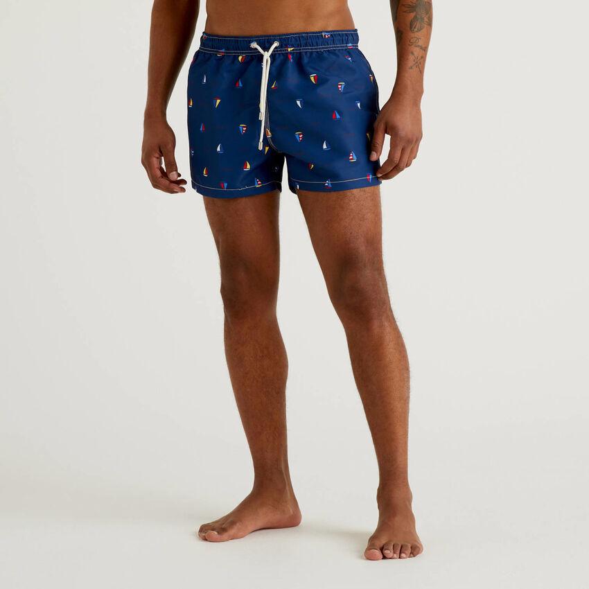 Short swim trunks