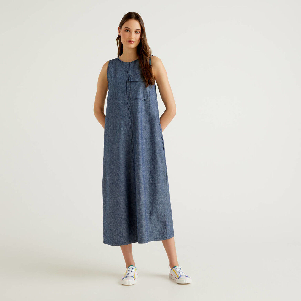 Maxi sleeveless denim look dress