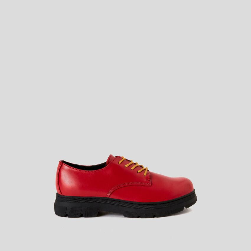 Zapatos derby con cordones dobles